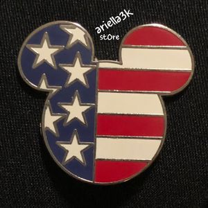 Disney USA Mickey Head Flag Pin. for Sale in Kissimmee, FL