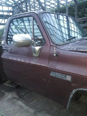 1983 GMC Sierra Classic parts for Sale in Sumner, WA