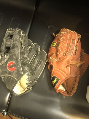 Baseball gloves for Sale in East Bend, NC