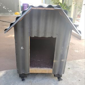 Dog House for Sale in Long Beach, CA
