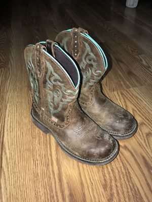 Justin gypsy boots for Sale in Kingsley, MI
