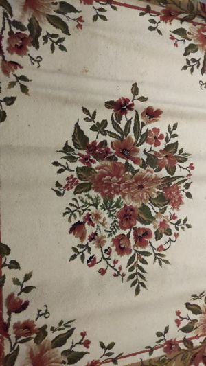 """84"""" H x 63"""" L Rug for Sale in Seattle, WA"""
