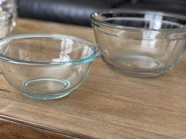 Set of 2 Pyrex Glass Mixing Bowls