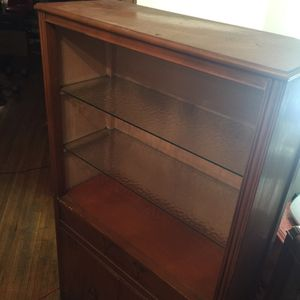 Shelving/china cabinet/ book shelf for Sale in Detroit, MI