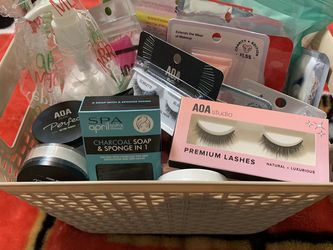 Makeup and Spa Bundle for Sale in Wichita,  KS