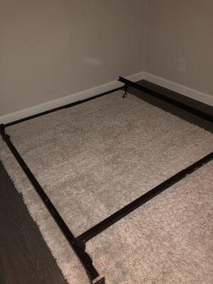 Queen bed frame for Sale in Costa Mesa, CA