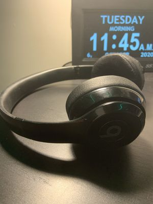 Beats Solo 3 Wireless Headphones (with bag and wire included) for Sale in Raleigh, NC