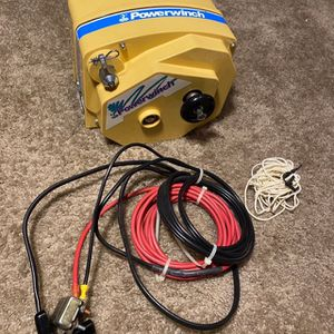 Powerwinch 2400lb model 712-A for Sale in Sterling Heights, MI