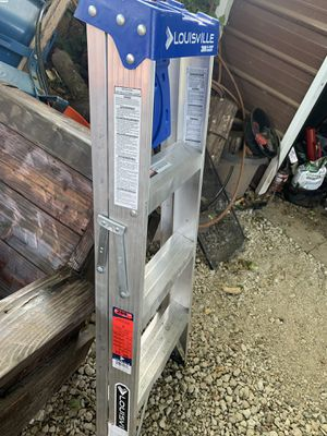 Louisville 4 feet ladder for Sale in Damascus, OR