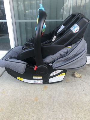 Graco car seat with base for Sale in Westerville, OH