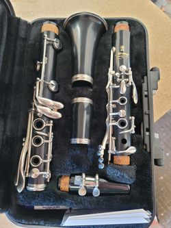 Yamaha clarinet ycl 200 ad for Sale in East Wenatchee,  WA