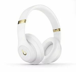 Beats by Dr. Dre Studio3 Over the Ear Wireless Headphone - White for Sale in Elmont, NY
