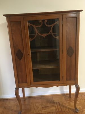 Antique China Cabinet, Excellent condition. Beautiful maple wood. I am moving to smaller space, is why I'm selling it. EXCELLENT price at $225/OBO for Sale in Burke, VA