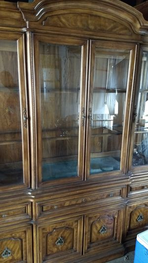 Thomasville China cabinet for Sale in San Diego, CA