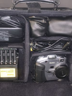 Vintage Kodak DC290 ZOOM Camera and TONS of Accessories as well as a Targus Digital Camera Case, All-Black, Very Nice! Model DC03 for Sale in Phoenix, AZ