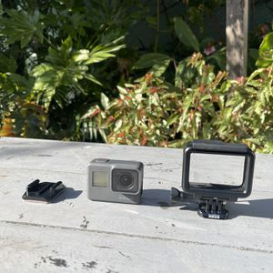 GoPro Hero 5 with Case & Mount for Sale in Oakland, CA