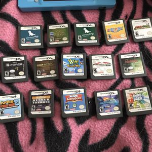 15 Games For Nintendo DSi With Band Hero Pack And Cases for Sale in Chicago, IL