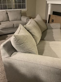 2 For The Price Of 1 Couch for Sale in North Olmsted,  OH