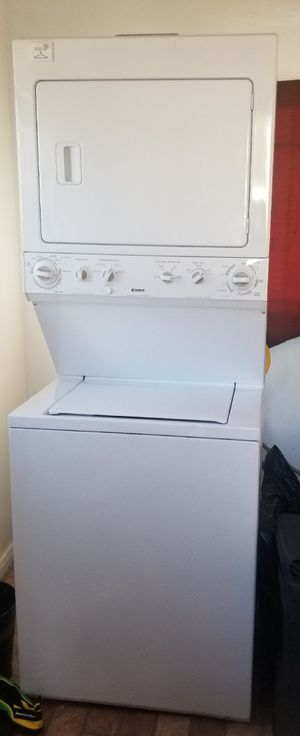 Kenmore washer and dryer stackable for Sale in Hawthorne, CA