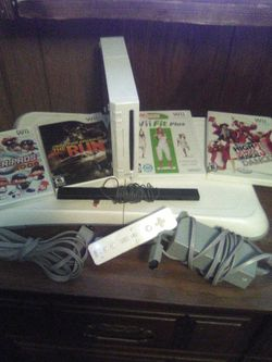 Wii Console With Games And Fitboard for Sale in Vancouver,  WA