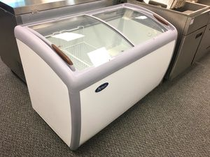 Commercial glass lid chest freezer for Sale in Kent, WA