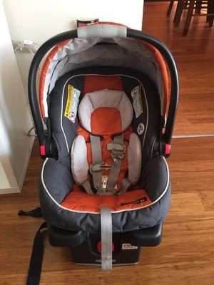 Graco snugride car seat for Sale in Fairfax, VA