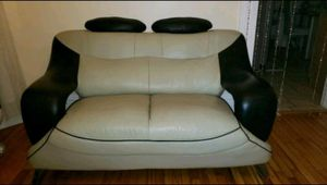 The love seat for Sale in Queens, NY