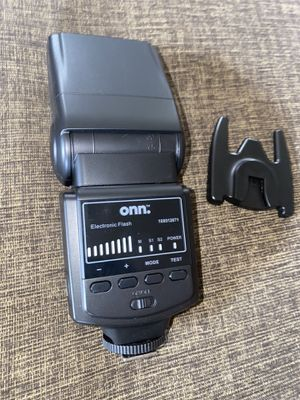 Onn Electronic flash for cameras for Sale in Santa Maria, CA