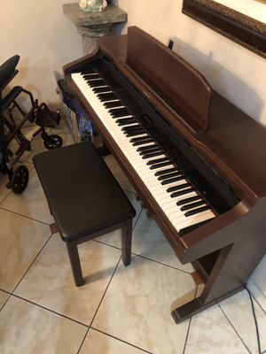 Technics piano organ great condition for Sale in Los Angeles, CA