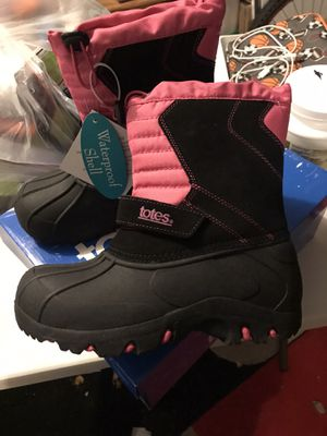 Girl winter boots NEW size ha 4, $15 only for Sale in Newburgh, IN