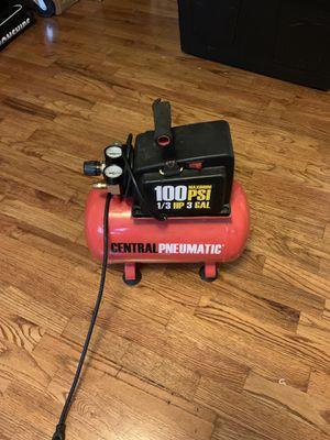 Central pneumatic 100 psi 1/3 hp 3 gal air compressor for Sale in Everett, WA