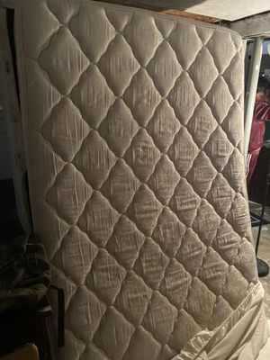 Full size mattress/box spring for Sale in Seattle, WA