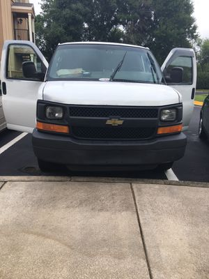 2008 Chevy express 2500. for Sale in Belle Isle, FL