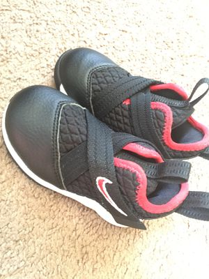 Toddler Nike Size 5 for Sale in Frederick, MD
