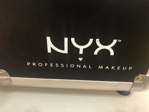 NYX PROFESSIONAL MAKEUP CASE for Sale in Norwalk, CA