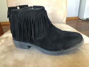 Girls fringe ankle booties - Size 1 for Sale in Lockport, IL