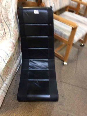 Gaming chair for Sale in Woodhaven, MI