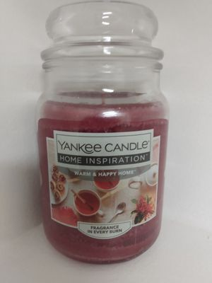WARM & HAPPY HOME YANKEE CANDLE for Sale in Springfield, VA