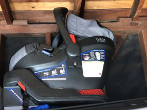 Baby car seat Britax b safe 35 for Sale in Downey, CA