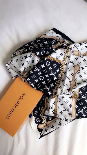 Louis Vuitton Head Scarf for Sale in Fort Myers, FL