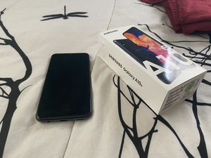 Samsung Galaxy A10e 32G black for Sale in Kissimmee, FL