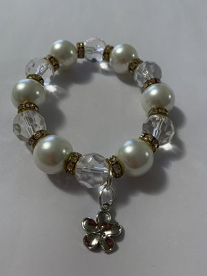 Hand made pearl bracelet for Sale in Miami, FL