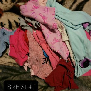 BABY GIRL CLOTHES SIZE 3-4T (26 PIECES for Sale in Miami, FL