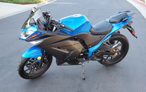 USED - MOTORCYCLE 4 BEGINNERS for Sale in Anaheim, CA