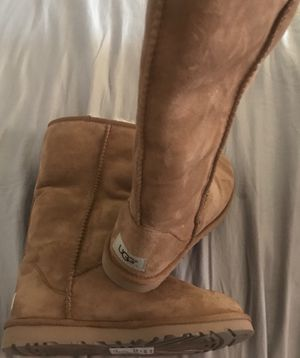 Woman's size5 UGGs for Sale in Mount Oliver, PA