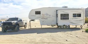 2005 Fo rd F 350 FX4 XLT Super Duty Lariat & Fifth Wheel Travel Trailer Combo Super Clean! for Sale in Phelan, CA