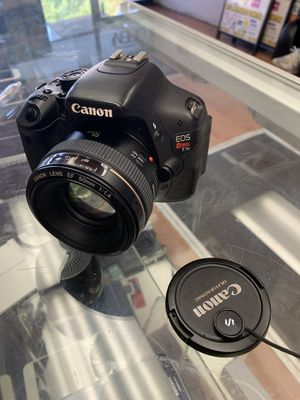 Canon t3i dslr camera with prime lens for Sale in The Bronx, NY
