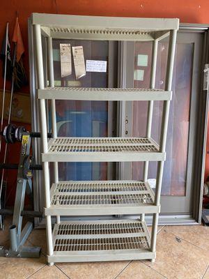 Plastic shelfs $25 each for Sale in Hesperia, CA