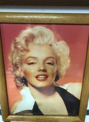 Marilyn Monroe 11 x 9 pictures still in rapper and framed for Sale in Turlock, CA