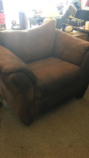 Brown Chair for Sale in Fort Leonard Wood, MO